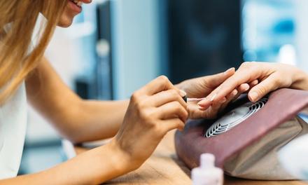Beauté des mains et/ou beauté des pieds avec pose de vernis semi-permanent dès 19,90 € à l'institut Health And Beauty