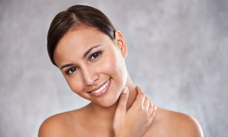 60 Min. Mironeenedling mit Hyaluronserum und Vitamin C+A am Gesicht bei Kosmetik Beautybox
