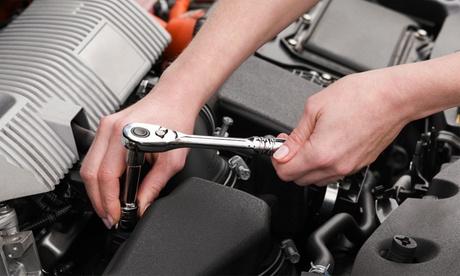 Cambio del kit de distribución del coche con revisión opcional en Talleres Directo (hasta 65% de descuento)
