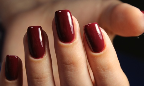 Sesión de manicura o pedicura normal semipermanente en Tata Carmen Uñas (hasta 57% de descuento)
