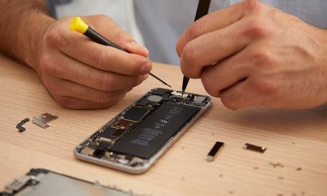"""Akku-Austausch für diverse iPhone-Modelle inkl. Panzerglas und Silikon-Hülle bei """"My Mobile Store"""""""