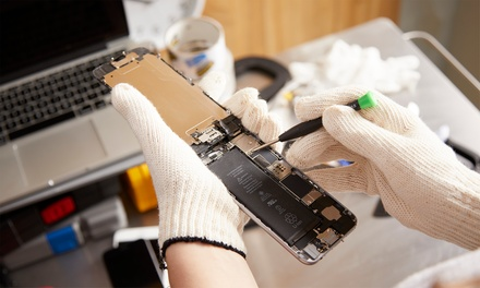 iPhone or Samsung Screen Repairs at Geek Repair Shop (Up to 65% Off)
