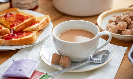Coffee & Toast for 1 ($4.50) or 2 Ppl ($8.99), or Coffee + Brekky Roll for 1 ($7.50) or 2 Ppl ($14.99) at Quarry St Cafe