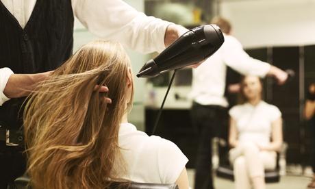 Waschen, Schneiden, Föhnen und Styling opt. mit Komplett-Farbe bei Diva - Serap s Haarstudio