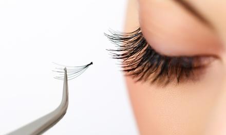 Extensión de pestañas con opción a limpieza facial en Stylo 10 (hasta 64% de descuento)