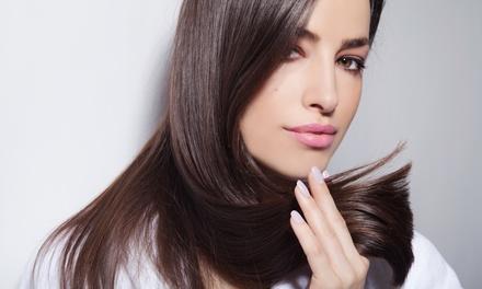 Sesión de peluquería con corte y opción a tratamiento desde 14,95 € en Eva Chacón