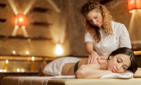 Ritual con masaje corporal de té verde y opción a masaje facial rejuvenecedor desde 24,99 € en Estética Antelo