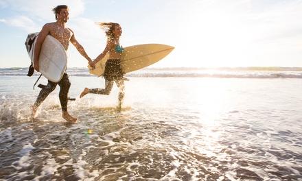 Ericeira: 7 noches en habitación compartida para 1, con desayuno y 5 clases de surf en Ericeira Chill Hill Hostel