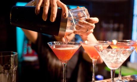 2 o 4 cócteles a elegir para 2 o 4 personas respectivamente 54% en Restaurante Baako