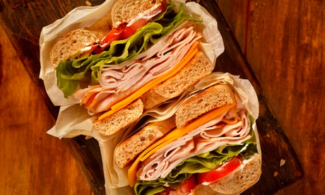 Menú para dos o cuatro con bocadillo de 15 o 30 cm, bebida y patatas o cookie en Subway