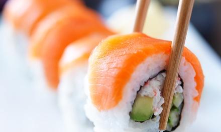 Menú para 2 o 4 con 28 o 56 piezas de sushi y bebida en Tsuki Sushi Bar Los Cristianos (hasta 43% de descuento)