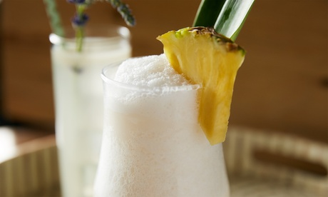 Degustación de 2 o 4 cócteles o copas y 1 o 2 aperitivos caribeños desde 14,95 € en Rabipelao Gótico
