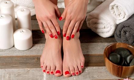 3 manicure o pedicure con smalto a 34,90€euro