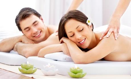 Uno o 3 massaggi di coppia cabina Deluxe speciale San Valentino da Paola Poggi Beauty Club (sconto fino a