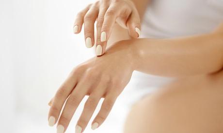 2 sesiones de manicura, pedicura o ambos en Clínica de Medicina Estética Minerva Peyús (hasta 75% de descuento)