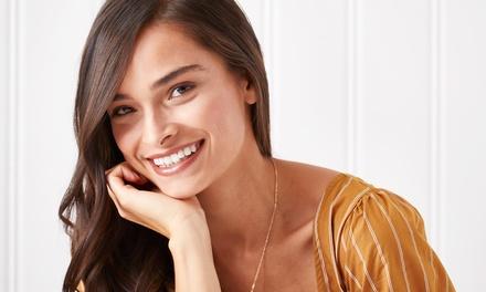 Revisión y limpieza bucal con opción a 1, 2 o 4 empastes en Clínicas Dentales Doalis (hasta 86% de descuento)