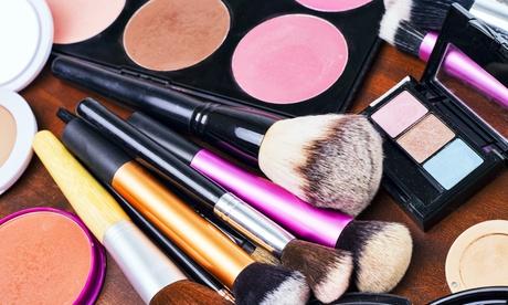 Curso online de Estilos de maquillaje de 60 horas con Ceifor Estudios (96% de descuento)