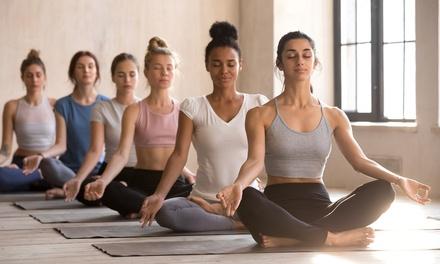 1 o 3 meses de clases de yoga en Yael (hasta 56% de descuento)