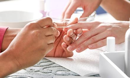 Manicure en Shellac behandeling bij Beautysalon Allinn in Apeldoorn