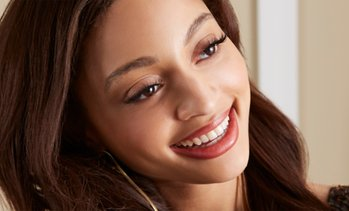 Up to 81% Off on Dental Implant / Corona / Veneer at Dental Bright