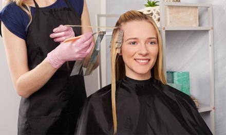 Hartje centrum: kappersbehandeling, naar keuze met verven óf high of lowlights bij Haargroep Amsterdam