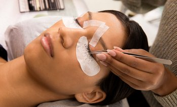 Up to 62% Off Eyelash Extensions at Beauty Hacks