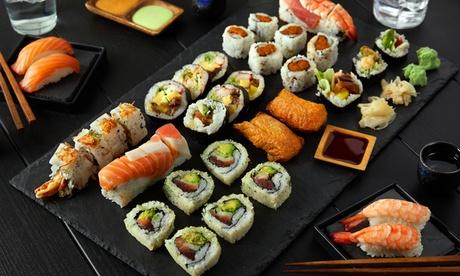 Menú para 2 o 4 con entrantes, bandeja de sushi, postre y bebida en One Bowl (hasta 55% de descuento)