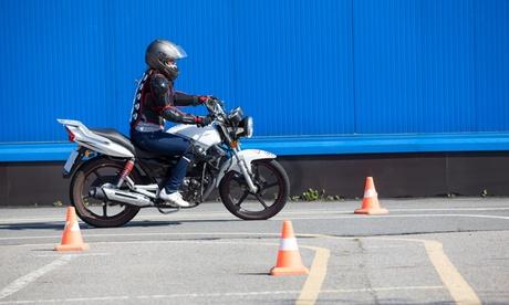 Curso de autoescuela para sacar el carnet de moto A1 o A2 en Vidacar (hasta 53% de descuento)