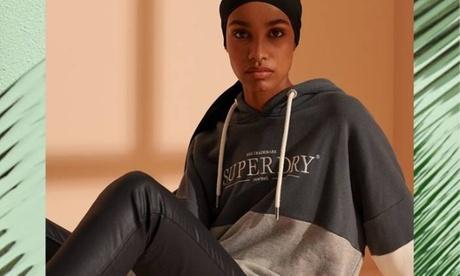 50 Prozent Rabatt auf Damen Hoodies bei Superdry in Olang