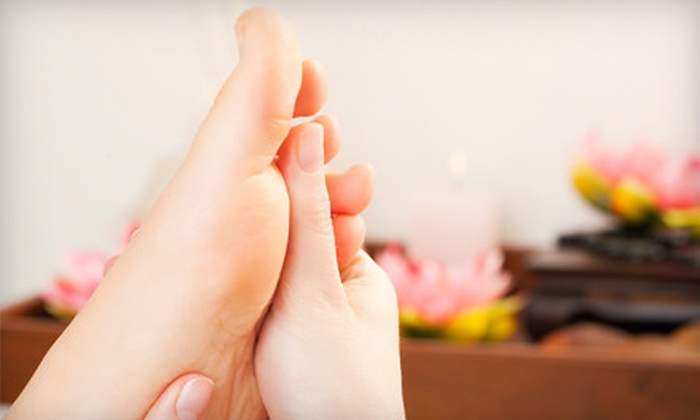 8th Wonder Spa - Citrus Grove: $20 for a 60-Minute Reflexology Session at 8th Wonder Spa in Glendale ($40 Value)