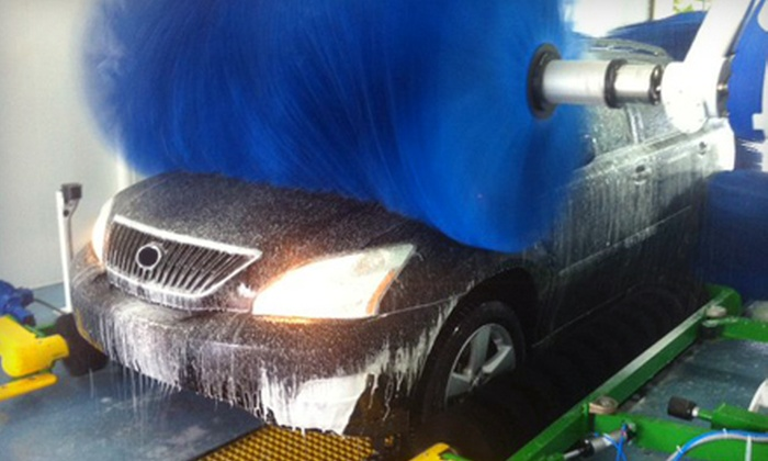 Signature Car Wash - Woodfield Country Club: Car-Wash Services at Signature Car Wash in Boca Raton (Up to 54% Off). Four Options Available.