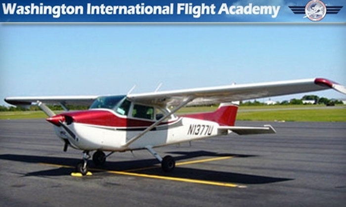 Washington International Flight Academy - Gaithersburg: $61 for a Discovery Flight and 30 Minutes of Ground Instruction from Washington International Flight Academy ($122.50 Value)