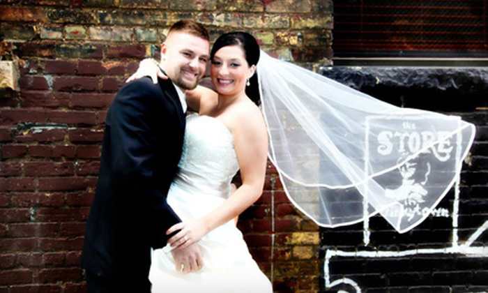 Epic Vow Wedding Photography - Central Business District: $350 for a Four-Hour Wedding-Photography Package from Epic Vow Wedding Photography ($1,070 Value)
