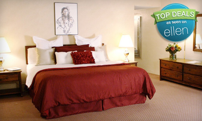 Garrett's Desert Inn - Downtown Santa Fe: One- or Two-Night Stay for Up to Four People at Garrett's Desert Inn in Santa Fe