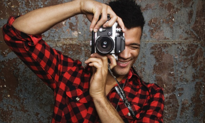 Pera College - Downtown Vancouver: Three-Hour Introductory DSLR Photography Class or Four-Day DSLR Next Step Program at Pera College (Up to 58% Off)