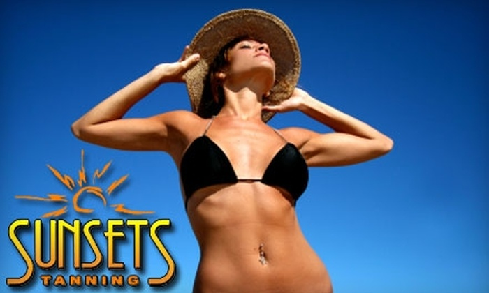 Sunsets Tanning - Promenade West: $19 for Tanning at Sunsets Tanning (Up to $78 Value). Choose Between Two Options.