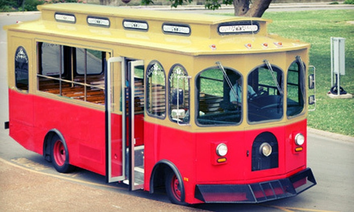 Gray Line Chicago - Multiple Locations: $15 for Hop-On Hop-Off Trolley Tour from Gray Line Chicago ($30 Value)