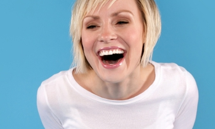 32 White - Chelsea: $125 for a Professional Teeth-Whitening Session at 32 White ($261 Value)