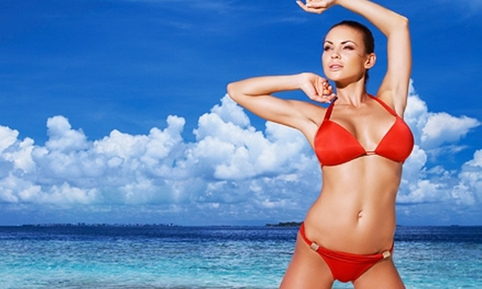 Beach House Bronze - Brentwood: Three VersaSpa Spray Tans or One Month of Unlimited Tanning at Beach House Bronze in Brentwood