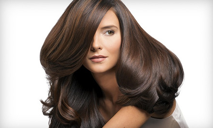 Le Motive Salon - Central Area: Deep-Conditioning-Treatment Package or Hair-Coloring Package at Le Motive Salon (Up to 57% Off)