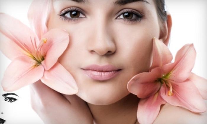 Salon ReTro - Spokane Valley: Two Spray Tans or Microdermabrasion Treatment at Salon ReTro in Spokane Valley