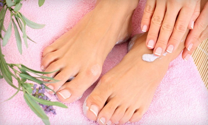 Spa Zeeba - West Riverside: $25 for a Classic Mani-Pedi at Spa Zeeba ($55 Value)