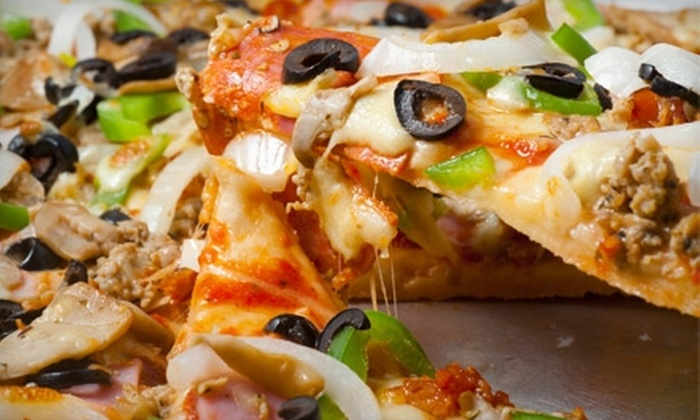 Big Mama's & Papa's Pizzeria - Paradise: $10 for an Extra-Large Two-Topping Pizza at Big Mama's & Papa's Pizzeria ($20.10 Value)