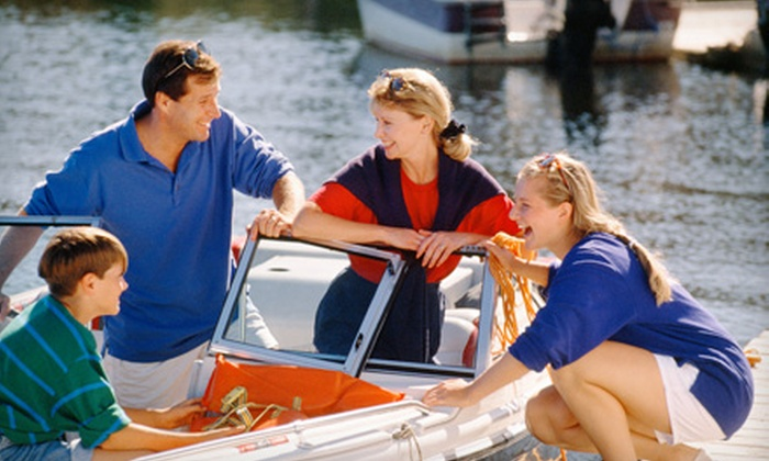 Carefree Boat Club - Seabrook: $149 for a Four-Hour Boat Rental at Carefree Boat Club in Seabrook ($375 Value)
