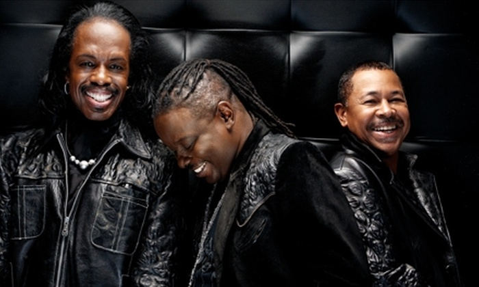 Earth Wind & Fire - Downtown Los Angeles: $35 for Ticket to Earth, Wind & Fire 40th-Anniversary Show Wednesday, June 1, at the Nokia Theatre L.A. Live ($59.50 Value)
