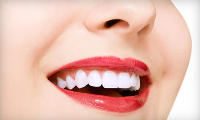 Smile Sciences - Valencia: $39 for Nighttime and Daytime Teeth-Whitening Pens from Smile Sciences ($129 Value)