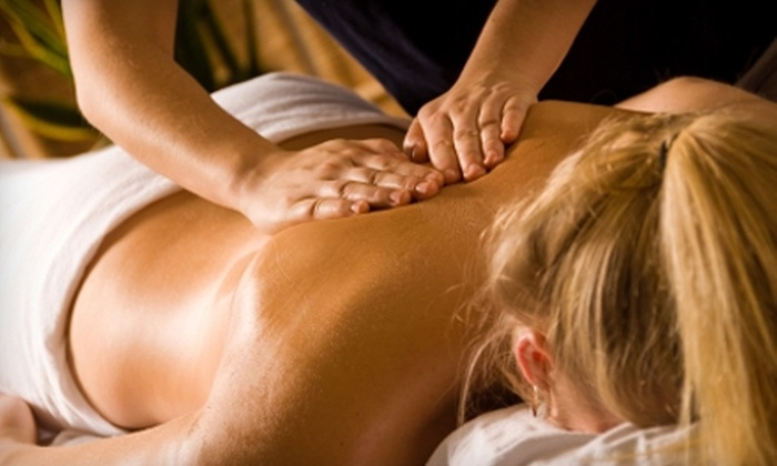 Advanced Skin Spa - Poland: $32 for a 45-Minute Aromatherapy Massage at Advanced Skin Spa (Up to $65 Value)
