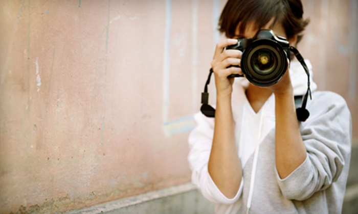 SmarterPics - Lansing: $19 for Introductory Digital-Photography Class at SmarterPics ($40 Value)