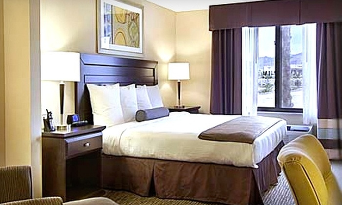 Wingate by Wyndham - Henderson: $44 for a One-Night Stay at Wingate by Wyndham in Henderson (Up to $109 Value)