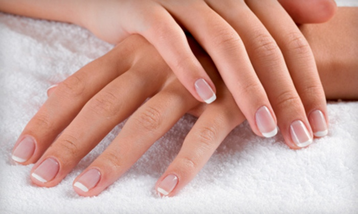 Beauty Fusion Salon - Forest Hills: $19 for a Shellac Manicure at Beauty Fusion Salon ($39 Value)